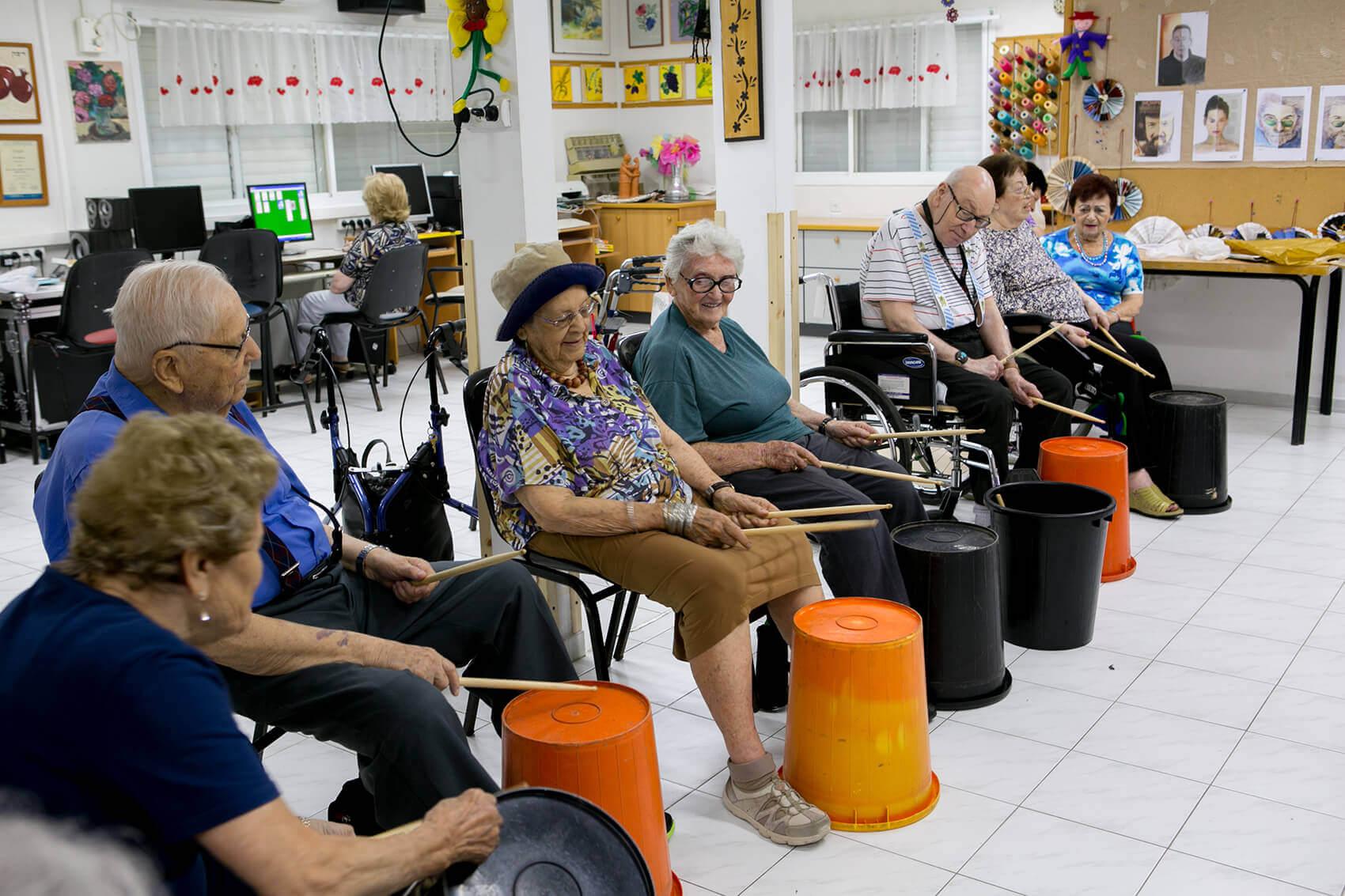 פעילות מעגל מתופפים במועדון בית נועם רגבה